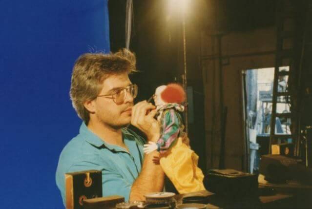 Artista revela fotos raras de Pennywise em telefilme de 1990