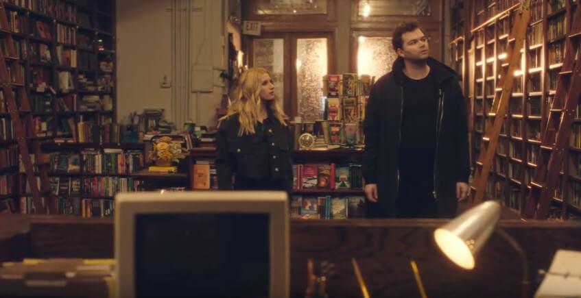 Livraria de mistério em Nova York vira cenário de videoclipe