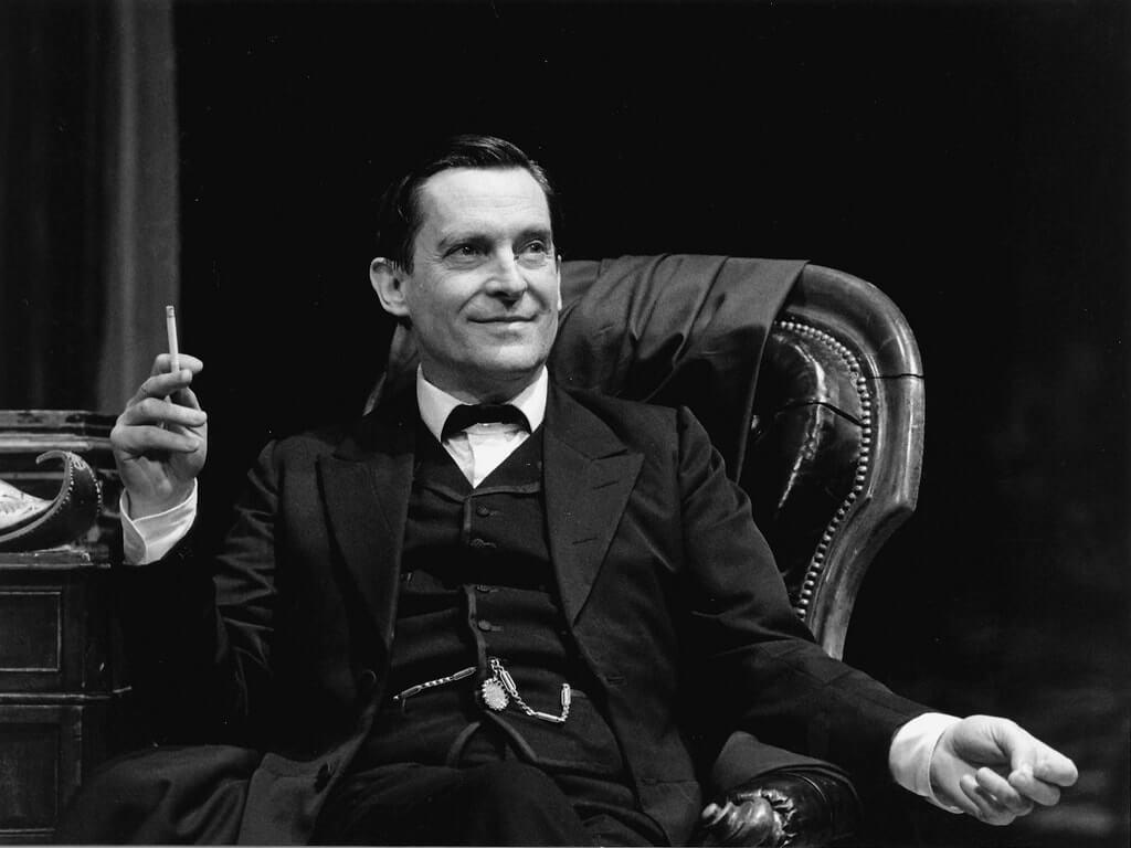 Sherlock foi um dos grandes papéis de Jeremy Brett na TV