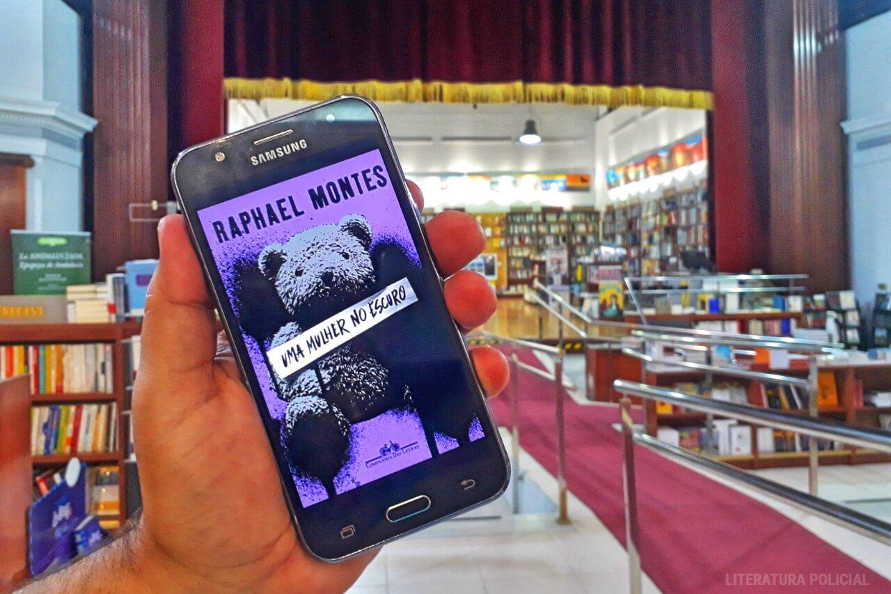 UMA MULHER NO ESCURO | Todo mundo é suspeito no livro de Raphael Montes