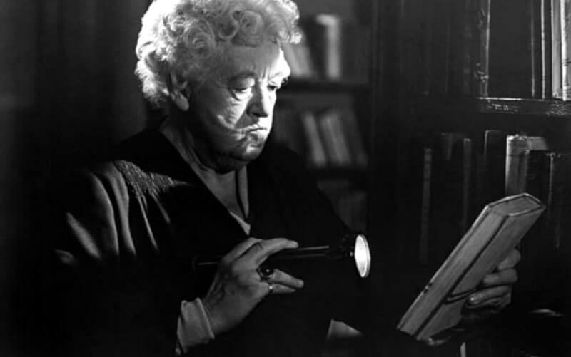 Bibliotecária fã de Miss Marple resolve mistério de 41 anos